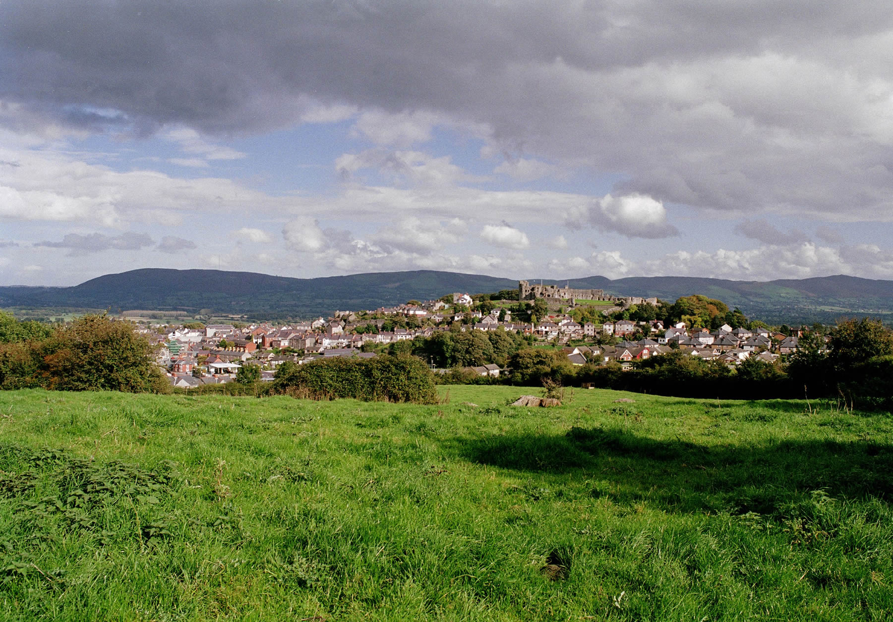 Denbigh – a 13th century market town with a castle on its hilltop centre, situated in the beautiful, rural Vale of Clwyd, north Wales. It's been home to Craig Bragdy since the purchase and conversion of Brookhouse Mill in the early 1960's.